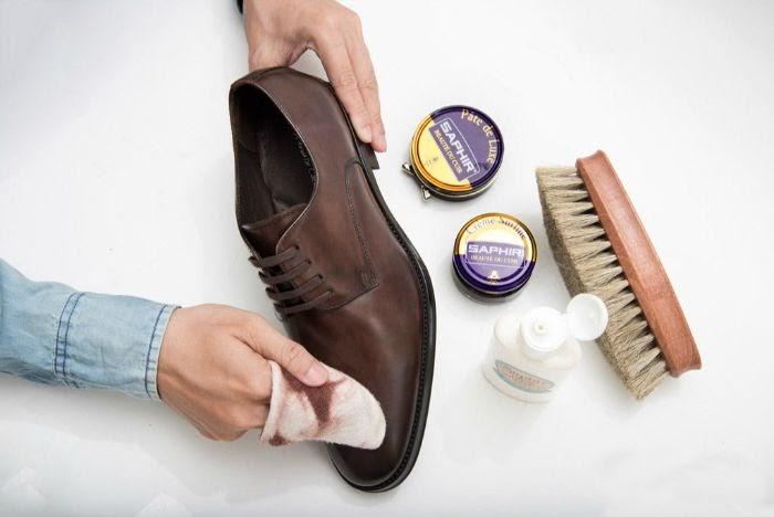cách làm sạch giày da bóng | Món Miền Trung