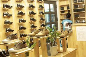Những lưu ý khi mua giày dép da nam Hà Nội