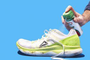 Có nên xịt khử mùi giày không? Chai xịt khử mùi hôi giày loại nào tốt?