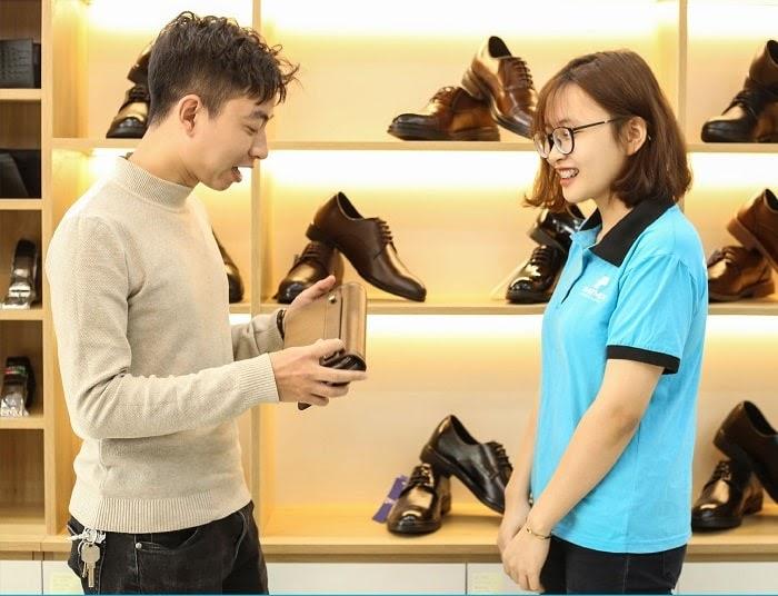 Smartmen được người dùng tin tưởng lựa chọn bởi các sản phẩm giày, dép, thắt lưng, ví đều được làm từ da bò thật với chất lượng cao cấp